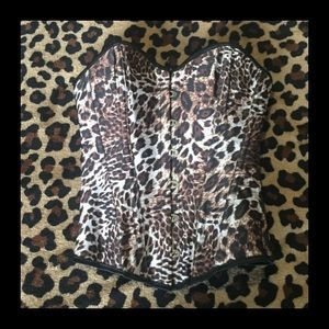 Other - Sexy small leopard print corset w/Metal closure