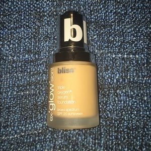 Bliss ex-GLOW-sion! Foundation