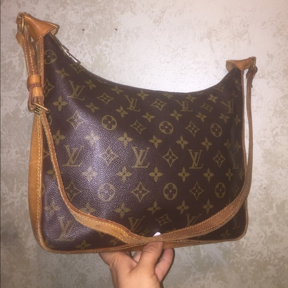 eef5c3c2aa77 Louis Vuitton Handbags - Auth Louis Vuitton Bagatelle GM Monogram Hobo Bag