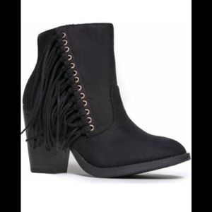 🆕Soda Black Fringed Ankle Bootie