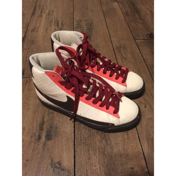 newest collection 5c5a7 31cfb Nike Blazer High Women Valentine Day Love Pack