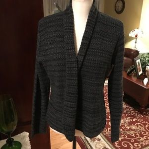 Kim Rogers gray and black shaker sweater