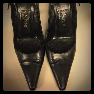 7474994053d Yves Saint Laurent Shoes - Black leather Yves Saint Laurent pumps. Size 36