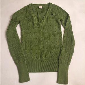 EUC Abercrombie & Fitch v-neck cable sweater, Sz M