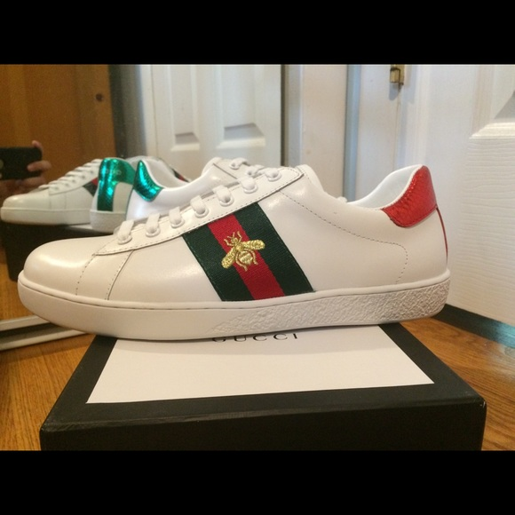9a7fa178da0 Gucci Ace Embroidered Bee Sneaker US Size 10 mens
