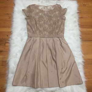 Nude Taylor Dress with Pockets Size 12