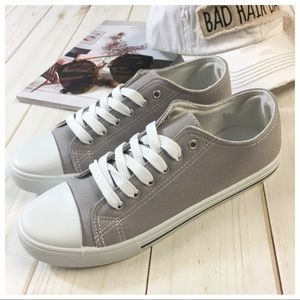 Shoes - ✨LAST✨Light gray canvas sneakers