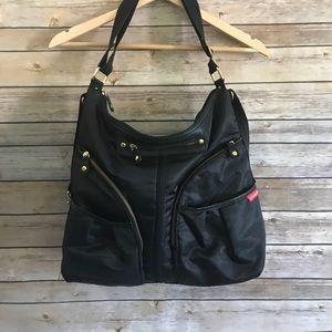 Skip hop Versa expandable diaper bag black