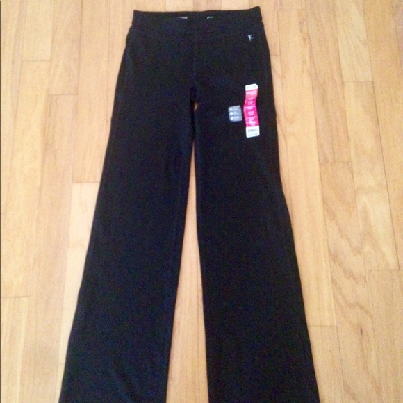 36058660e889b Yoga pants Danskin now Dri more Semi fitted. M_59bbec4e56b2d6a537023cf4