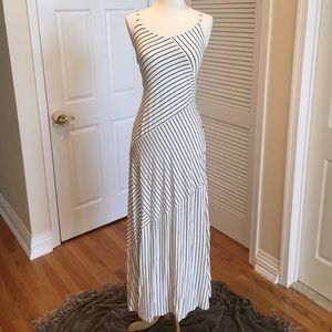 Anne Taylor maxi dress