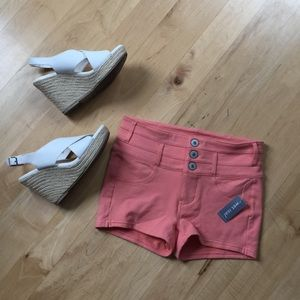 Pants - 🎀NWT coral stretch shorts