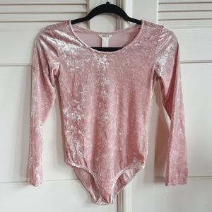 NWT Forever21 Girls Pink Crushed Velvet Bodysuit