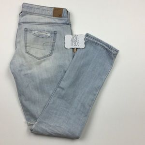 American Eagle Distressed Skinny Jean