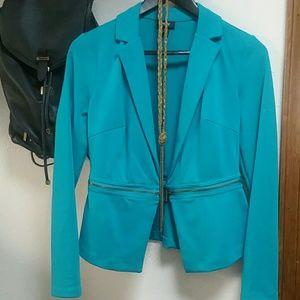 VERSATILE blazer, TAKE A LOOK!