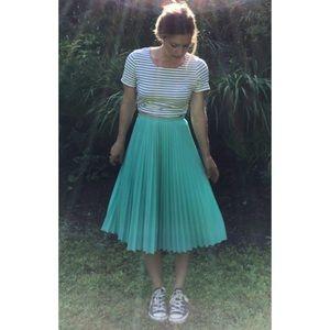 Vintage Green Pleated Skirt