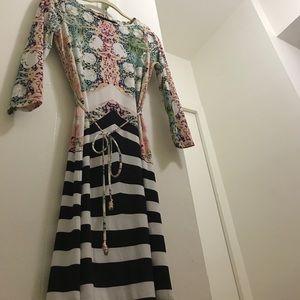 Ivanka trump floral dress with sleeves sz XS