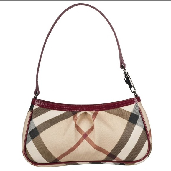 Burberry Handbags - FLASH SALE! New Burberry nova check shoulder bag cffb8fac65