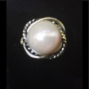 Jewelry - Belk Fashion ring. Silver with pearl stone.