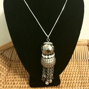 Jewelry - Gorgeous Vintage Silver/Crystals 18in Necklace