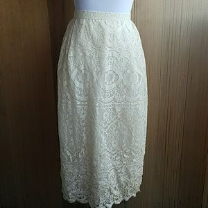 Vintage lace high waisted skirt