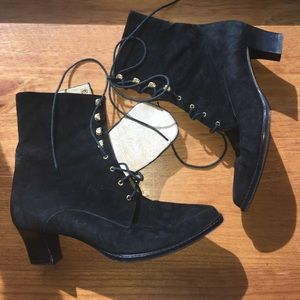 VINTAGE PALOMA LACE UP BOOTIES