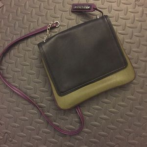 Kenneth Cole Reaction Cross-body Fall Bag