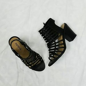 Shoes - Black Stappy Sandals