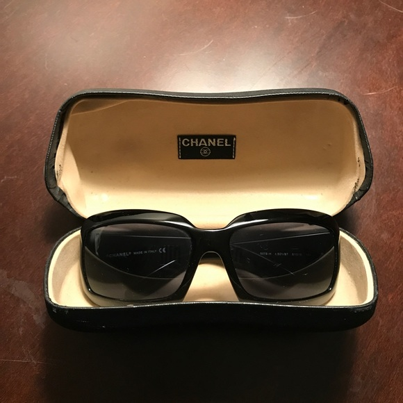 60c51a904d132 CHANEL Accessories - Authentic CHANEL Mother of Pearl Sunglasses 5076H