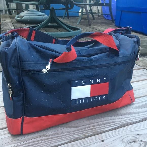 tommy hilfiger travel duffle bag