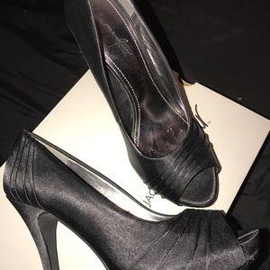 5f283f9acb16 Jacqueline Ferrar Shoes - BLACK PEEP TOE HIGH HEELS