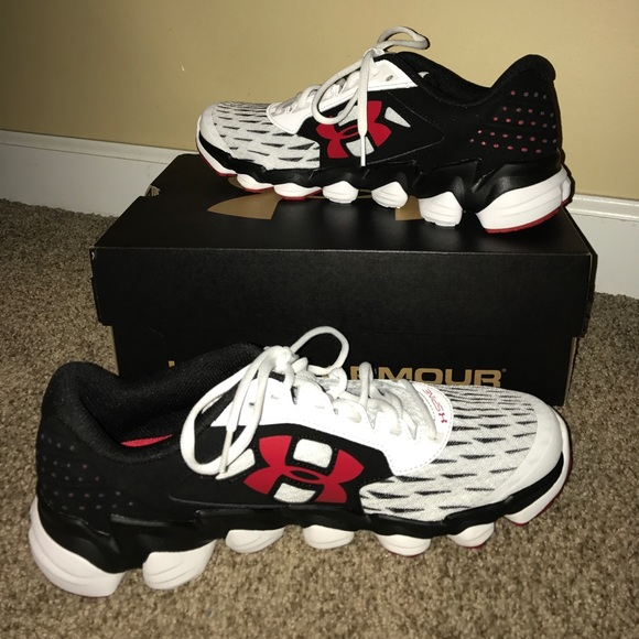 new style f1330 346bb Under Armour Spine Disrupt Men's Running Shoes NWT