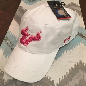 🎀NWT Under Armour USF Hat
