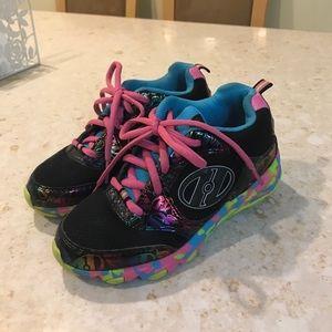 Heelys skate kid shoes