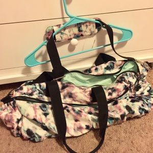 OLD NAVY Active gym bag