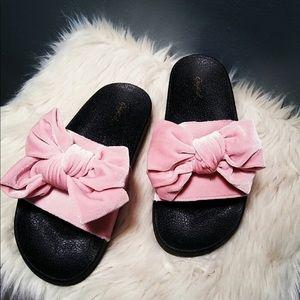 🦄 The Robyn Pink Velvet Bow 🦄 Slides