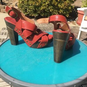 Red Lucky Brand chunky heels with wood heel!