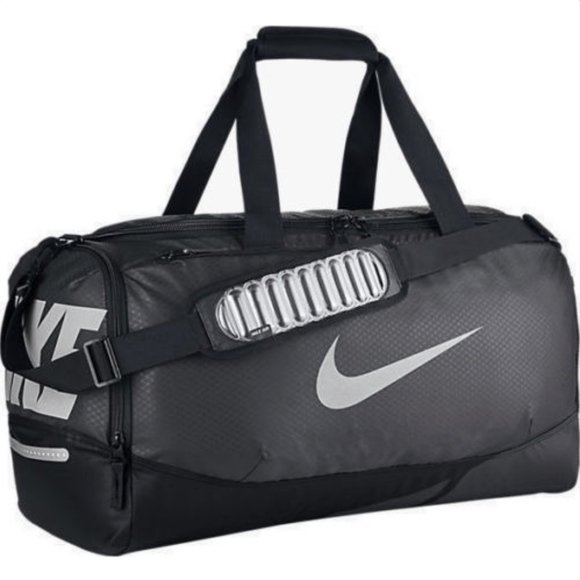 Nike AIR MAX VAPOR Medium Duffel Gym Bag 9b21cc4324109