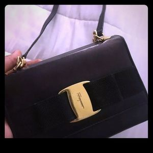 Ferragamo wallet and straps/for cross  body style