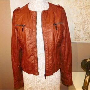 BROWN LEATHER JACKET WITH ZIPPERS!!!
