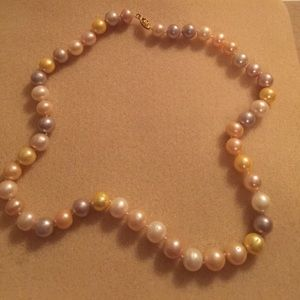 Jewelry - Pearl Necklace (Real)