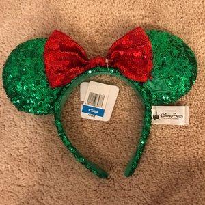 BNWT Christmas Sequined Minnie Mouse Ears headband