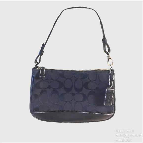 Coach Handbags - Authentic Coach Classic Signature Bag