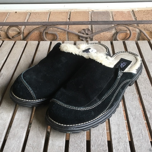 UGG Shoes - UGG. Black Suede Leather Slip On Mules