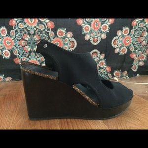 simply vera black wedge heels