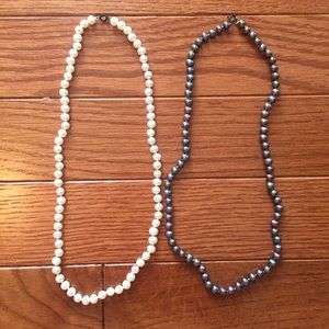 Jewelry - Two genuine pearl necklaces