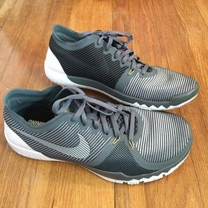 Nike free 3.0 V4 running shoe