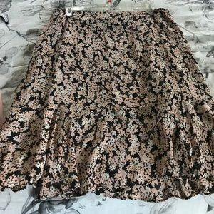 Dresses & Skirts - Alfani flower skirt