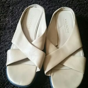 Slightly wedged sandals