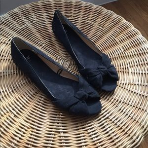 H&M size 9 open toed black flats with bow