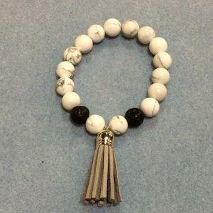Jewelry - Howlite Tassel Stretch Bracelet